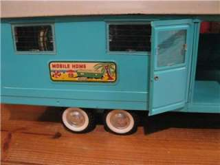 VINTAGE 1950S NYLINT STEEL MOBILE HOME TRAILER AND FORD TRUCK MODEL
