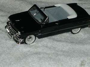 NEW 132 METAL DIECAST 1951 FORD CUSTOM CONVERTIBLE